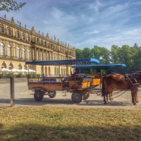 Лошади около дворца Херренкимзее :: Николай Милоградский