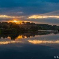 Ворона -река красных зорь :: Сергей