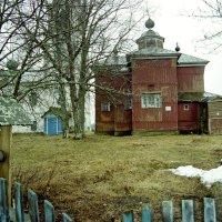Деревянная церковь :: Олег Юстинович Гедрович
