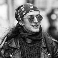 В круглых очках :: Александр Степовой