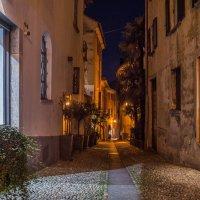 Старинная улочка в Локарно. Швейцария. :: Наталья Иванова