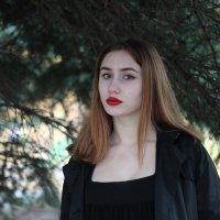 Под елкой.. :: Лина Свиридова