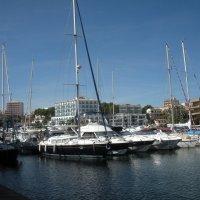 яхта в порту острова Минорка :: Виталий  Селиванов