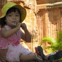Почему тапочки называют вьетнамками? :: Борис Рогов