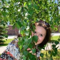 Портрет в зеленых листьях :: Сергей Тагиров