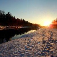 Утомленный закат засыпал над рекой :: Павлова Татьяна Павлова