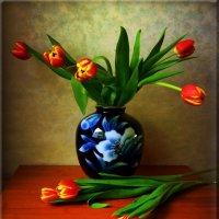 Тюльпаны в вазе :: Nina Yudicheva