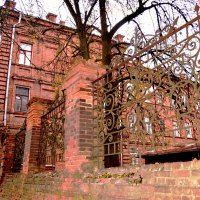 Старый  дом :: Vladimir Semenchukov