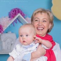 Бабушка и внучек :: Ярослава Бакуняева