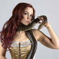 Портрет со змеей :: Максим Хрусталев