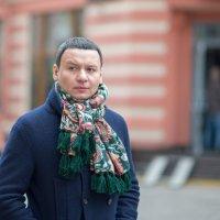 актер А. Олешко по дороге к театру... :: Svetlana AS