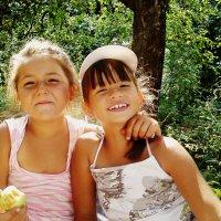 Мои маленькие принцессы(Евгения и София) :: Валерия