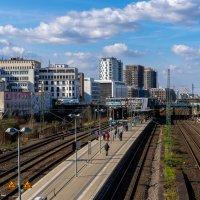 Железнодорожная платформа в центре Дюссельдорфа :: Witalij Loewin