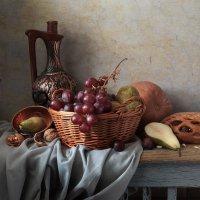 Натюрморт с виноградом :: Татьяна Карачкова