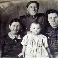 Семья. 1952 год :: Нина Корешкова