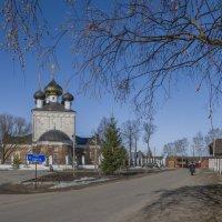 Церковь Воздвиженья Честного Креста Господня в Свердлове :: Михаил (Skipper A.M.)
