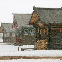 Зима не даром злится... :: Николай Карандашев