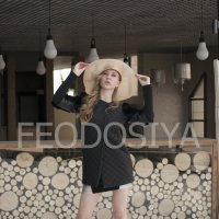 девушка в шляпе :: Вера Федотова