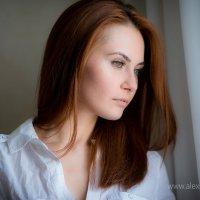 у окна :: Александр Сомов