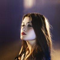 Портрет девушки в домашней студии :: Оксана Сергеева