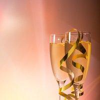 Бокалы с шампанским :: Наталья Глызина