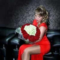 Девушка в красном :: Елена Волгина