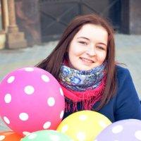 Девушка с шарами :: Полина Потапова
