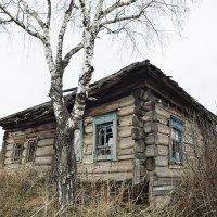 Домик в деревне. :: Юрий Лобачев