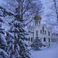 Храм святой Троицы. Кемерово, март :: Edward Metlinov