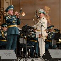 В городском саду играет духовой оркестр... :: Nina Grishina