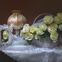 И только аромат прекрасных роз... :: Валентина Колова