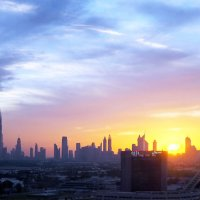Небо над Дубаем :: Николай Ярёменко