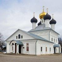 Свято Троицкий храм. :: Юрий Шувалов
