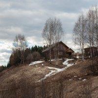 Дом на пригорке. :: Валерий Молоток