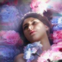 В цветах. :: Марина Кузьмина