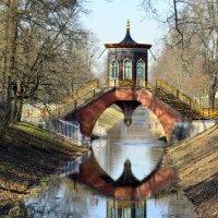 Крестовый мост /весна в парке/ :: Сергей