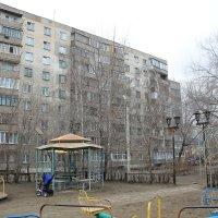 Детская площадка весной :: Олег Афанасьевич Сергеев