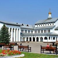 Молельный дом и Храм в честь Иоанна Крестителя в Тольятти :: Денис Кораблёв