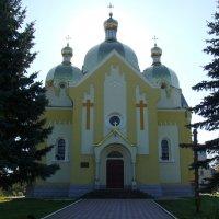 Греко - католический  храм  в  Долине :: Андрей  Васильевич Коляскин