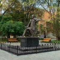 Памятник Загиру Исмагилову :: Виктор Куприянов
