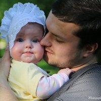 Папа с дочкой-3. :: Руслан Грицунь