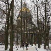 Вид на Исаакиевский собор с Александровского сада :: Павел Федоров