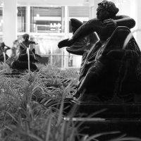 Скульптура с фонтаном :: Руслан Лутов