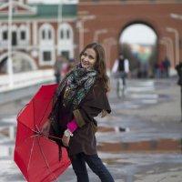 Девушка с зонтиком :: Елена