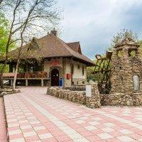 Старая мельница. :: Геннадий Оробей