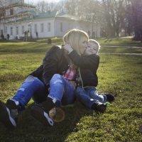 Мама и сын :: Юля Колосова