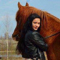 Красивая девушка и лошадь :: Ольга Сусанова