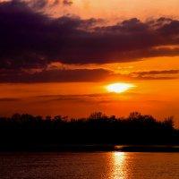 Закат над Окой. :: Валерий Гудков