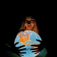 Мир в надежных руках :: Aivaras Troščenka