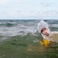 Купание на волнах :: Константин Лысенко